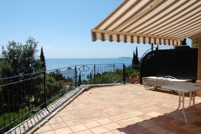 Le rayol Canadel : Classified villas LES ROCHES FLEURIES - Villa classified***