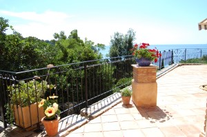 LES ROCHES FLEURIES - Villa classified***