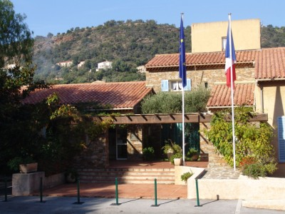 Le rayol Canadel : The Town Hall CITY HALL